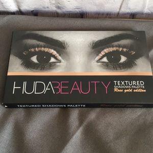 Huda Beauty Rose Gold Edition Eye Shadow Palette